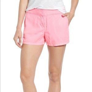 Bright pink vineyard vines shorts